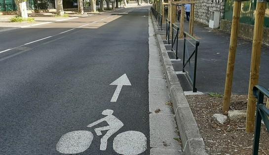 A vélo dans le quartier